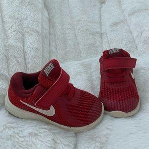 PREOWNED Nike sneakers